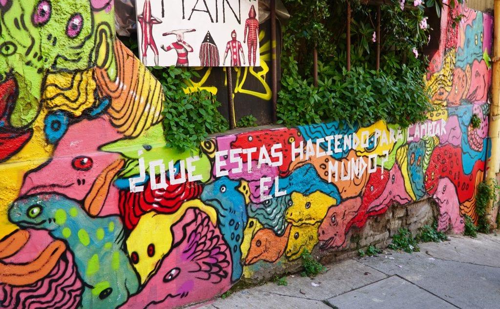 Valparaiso street art: Que estas haciendo para cambiar el mundo?