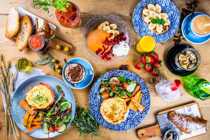 One of Madrid's Brunch menus with hearty portions can be found at Bendita Locura.