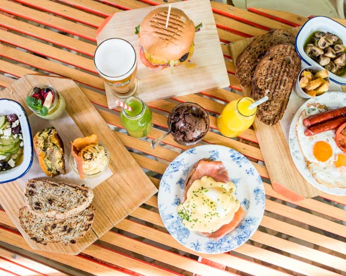 Ojalá is a Madrid brunch spot not only in a great location, but its mediterranean influenced brunch menu has plenty of options for everyone.
