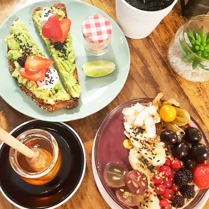 Urbano Specialty Coffee is THE Madrid brunch spot for amantes de café, or coffee lovers.